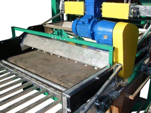 Комбайн для укладки покровной почвы
